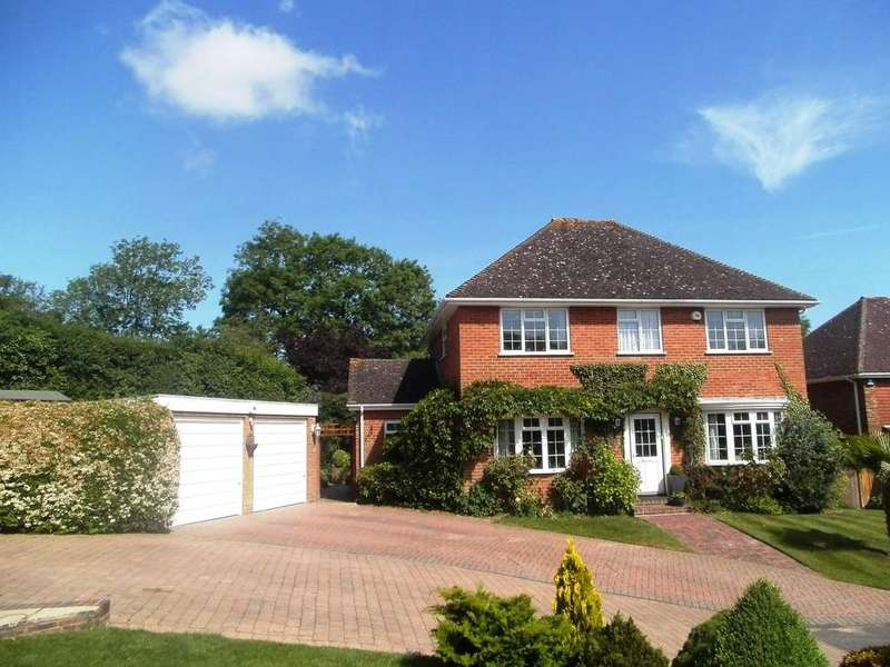 4 Bedrooms Detached House for sale in Pennington Place