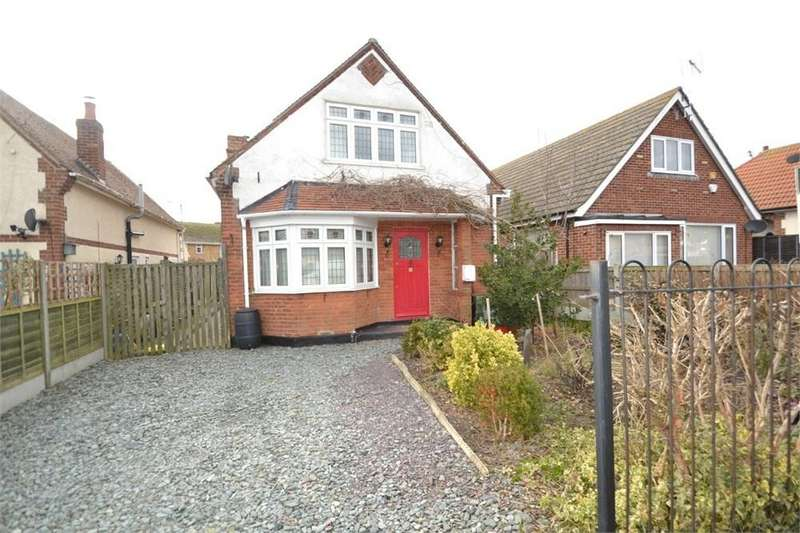 3 Bedrooms Chalet House for sale in Union Road, West Clacton, Clacton-on-Sea, CO15