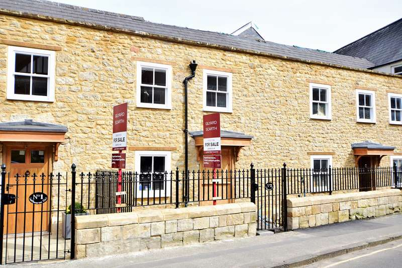 3 Bedrooms Property for sale in South Street, Sherborne, Dorset