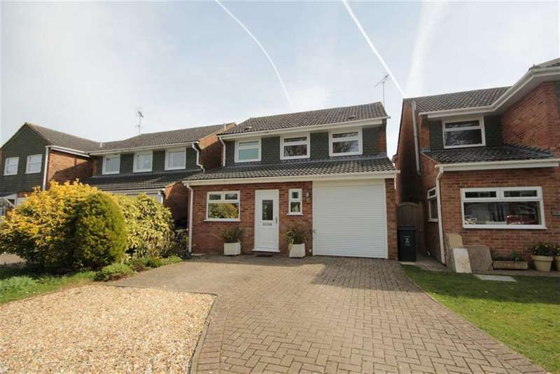3 Bedrooms Detached House for sale in Wroughton, Wiltshire