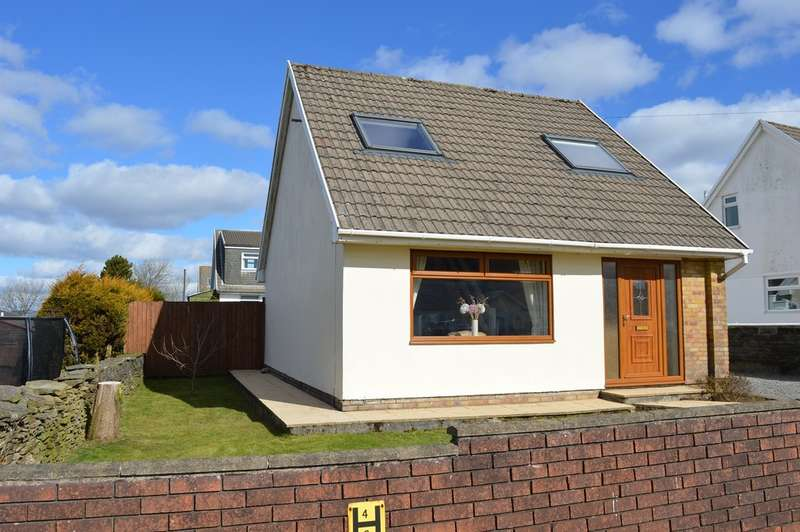 3 Bedrooms Detached House for sale in Rowan Close, Penycoedcae, Pontypridd