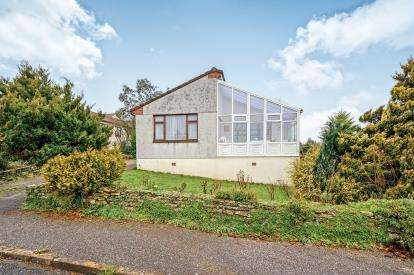 3 Bedrooms Bungalow for sale in Wadebridge, Cornwall, Uk