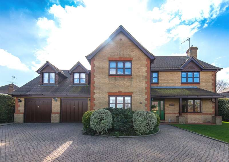 5 Bedrooms Detached House for sale in Bluebell Drive, Cheshunt, Waltham Cross, Hertfordshire