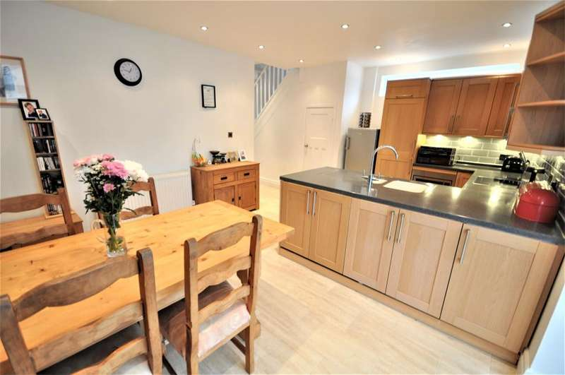 4 Bedrooms Semi Detached House for sale in Fifth Avenue, South Shore, Lancashire, FY4 2ES