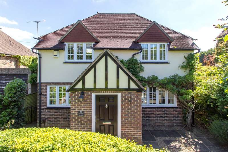 3 Bedrooms Detached House for sale in Beadles Lane, Old Oxted, Surrey, RH8