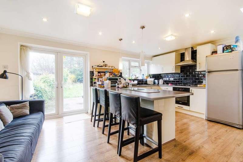 4 Bedrooms House for rent in Vine Court, Kenton, HA3