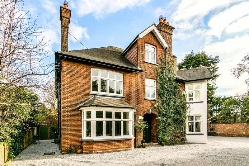 6 Bedrooms Detached House for sale in Cricketers Close, St. Albans, Hertfordshire, AL3