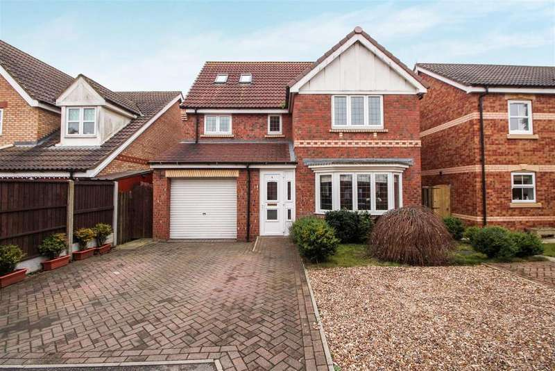 6 Bedrooms Detached House for sale in Easingwood Way, Driffield