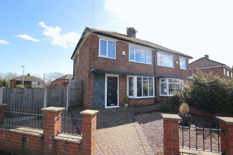 3 Bedrooms Semi Detached House for sale in Kentmere Avenue, Walton Le Dale