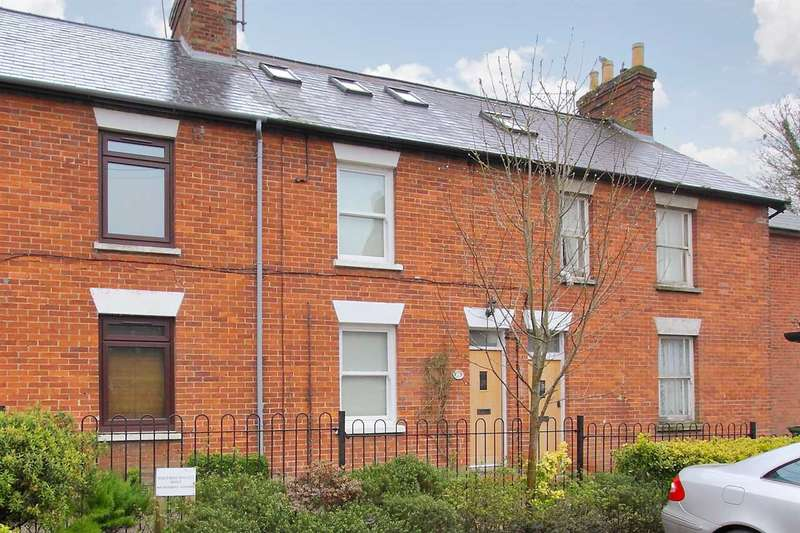 3 Bedrooms Terraced House for sale in Stunning example of a refurbished period cottage.