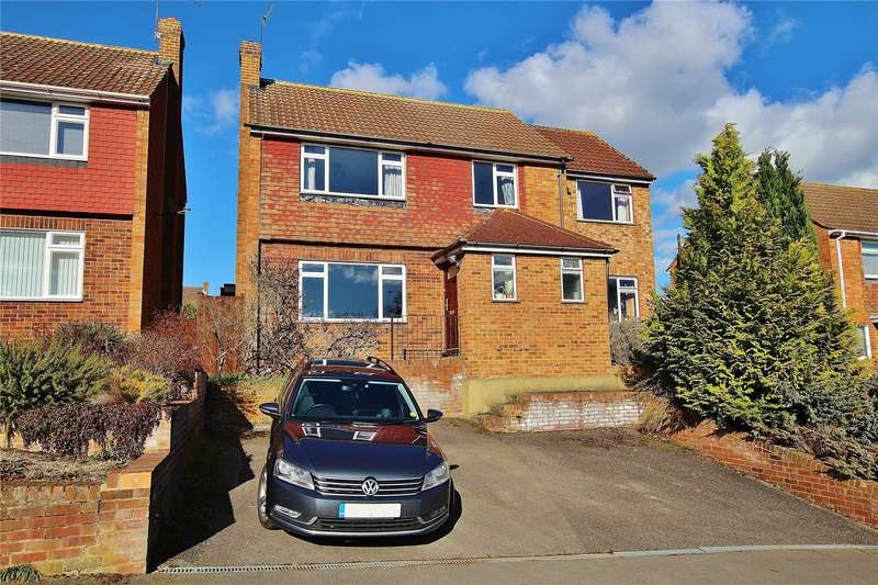 4 Bedrooms Detached House for sale in Hermitage Woods Crescent, St Johns, Woking, Surrey, GU21