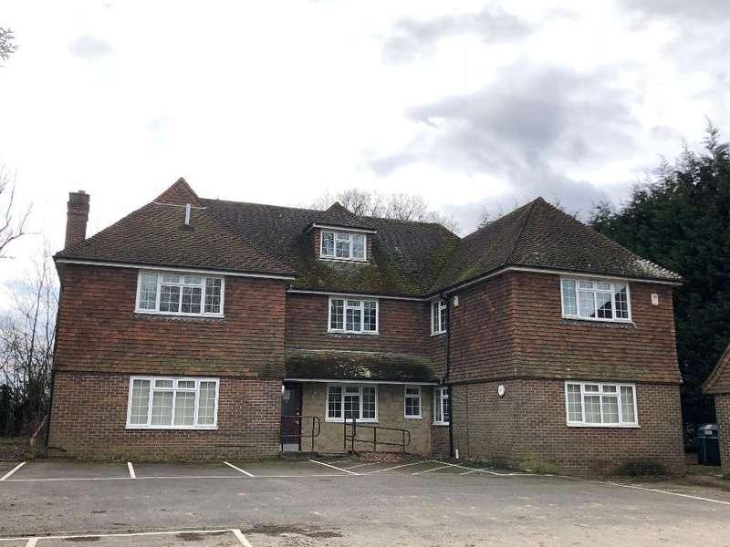 5 Bedrooms Detached House for sale in Slaugham Place, Slaugham, West Sussex, RH17 6AL