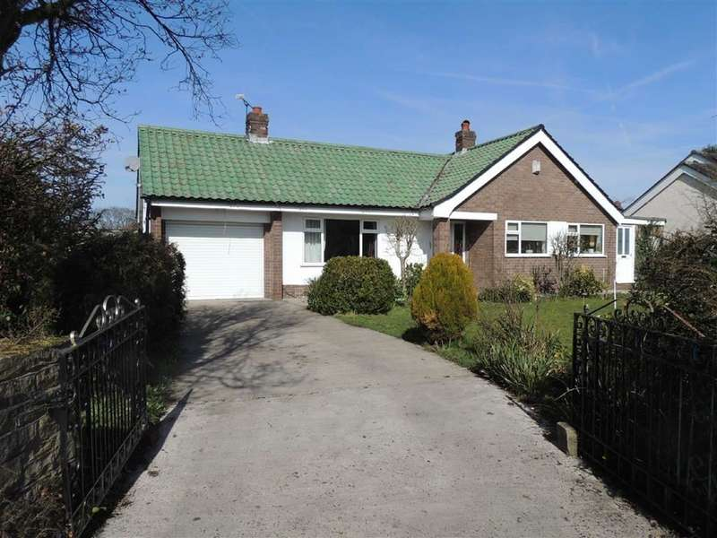 4 Bedrooms Detached Bungalow for sale in Coniston Road, High Lane, Stockport