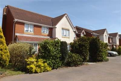 4 Bedrooms Detached House for rent in Mangotsfield, BS16