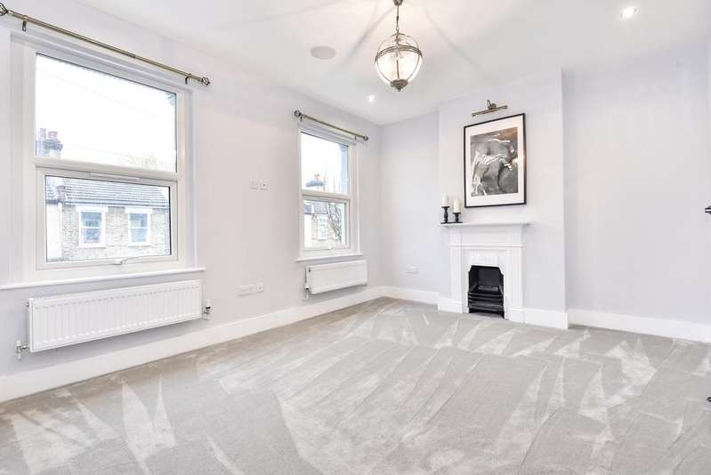 2 Bedrooms Terraced House for sale in Laurier Road Croydon CR0