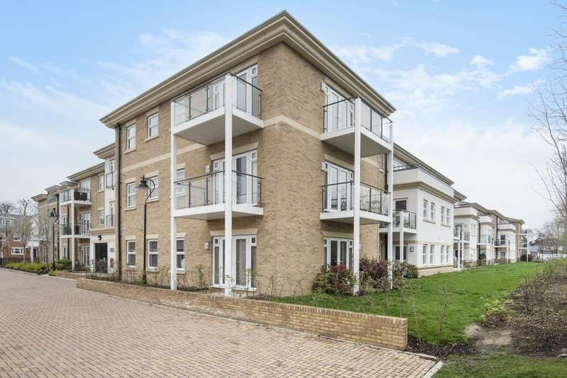 2 Bedrooms Flat for sale in Hazelwood House, Lower Sunbury, TW16