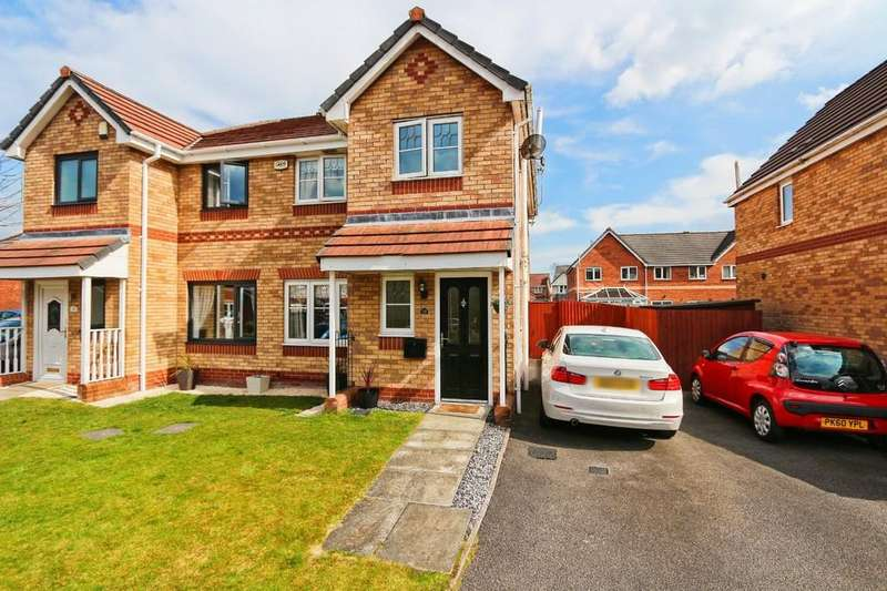 3 Bedrooms Semi Detached House for sale in 32 Sandywarps, Irlam, Manchester