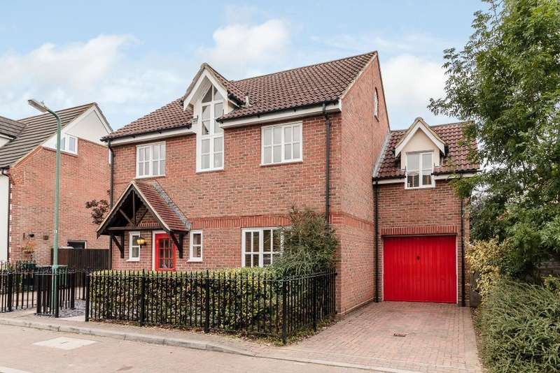 5 Bedrooms Detached House for sale in Farriers Way, Great Notley