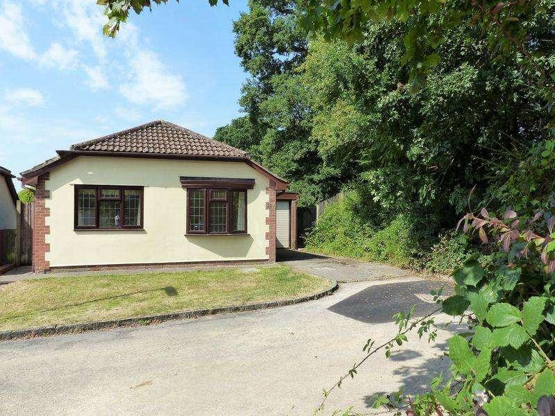 2 Bedrooms Detached Bungalow for sale in Copse Edge, Cranleigh