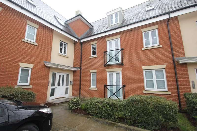 2 Bedrooms Apartment Flat for sale in Priory Chase, Rayleigh
