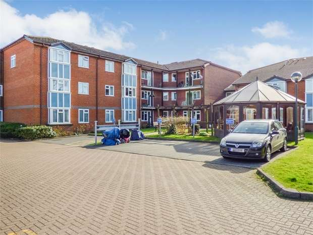 1 Bedroom Flat for sale in Furzehill Road, Borehamwood, Hertfordshire