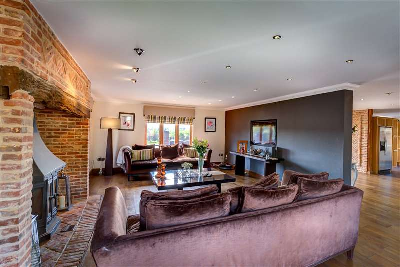 4 Bedrooms Detached House for sale in Leaden Roding