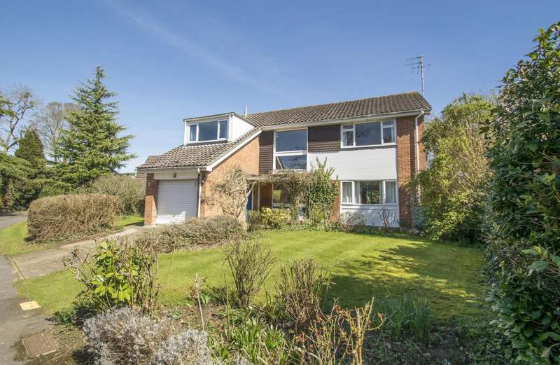 4 Bedrooms Detached House for sale in Grange Close, Goring on Thames, Reading, RG8