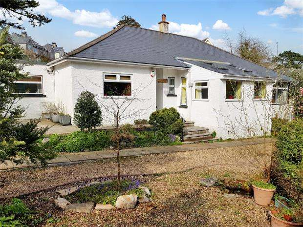 5 Bedrooms Detached Bungalow for sale in Eggbuckland Road, Plymouth, Devon