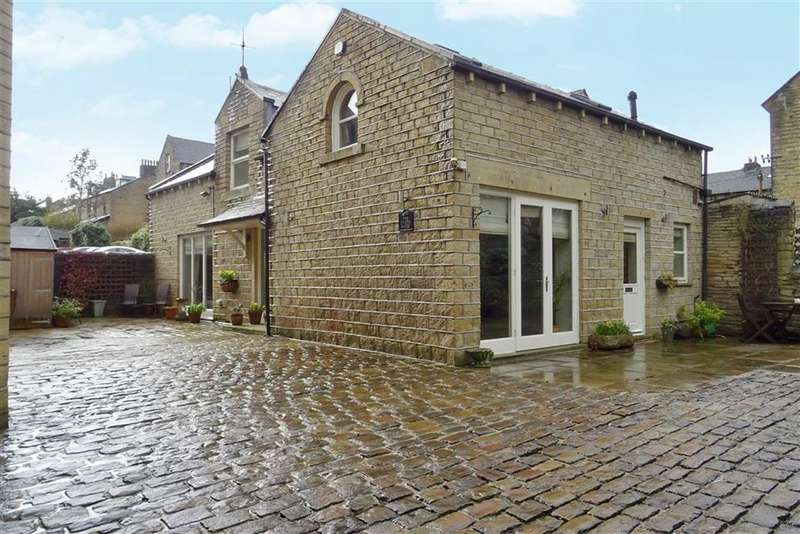 2 Bedrooms Detached House for sale in Regent Road, Edgerton, Huddersfield