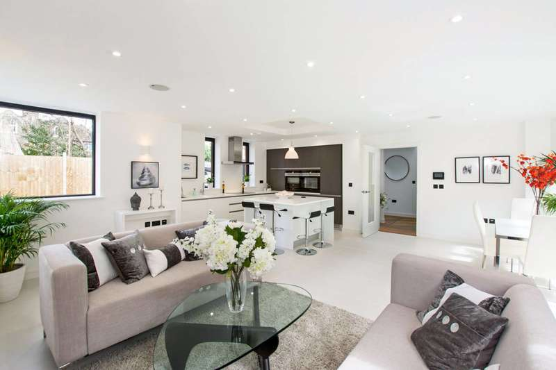 4 Bedrooms House for rent in Darcies Mews, Crouch End, N8
