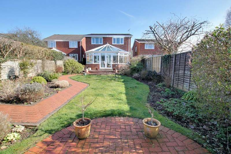4 Bedrooms Detached House for sale in HORNDEAN