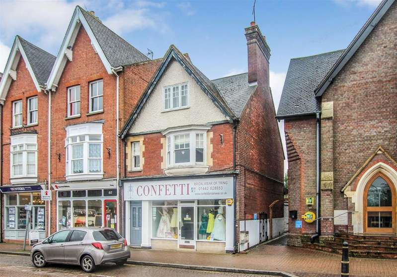 3 Bedrooms Maisonette Flat for sale in High Street, Tring, HP23 4AB