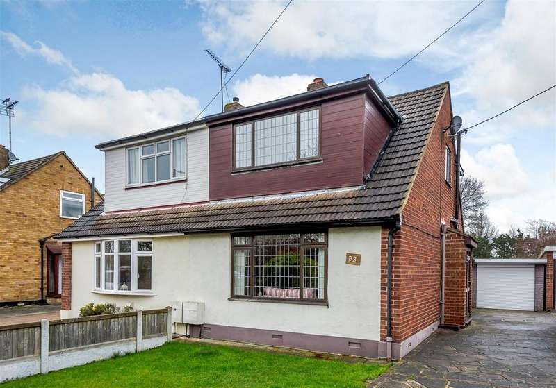 2 Bedrooms Semi Detached House for sale in Rushbottom Lane, Benfleet