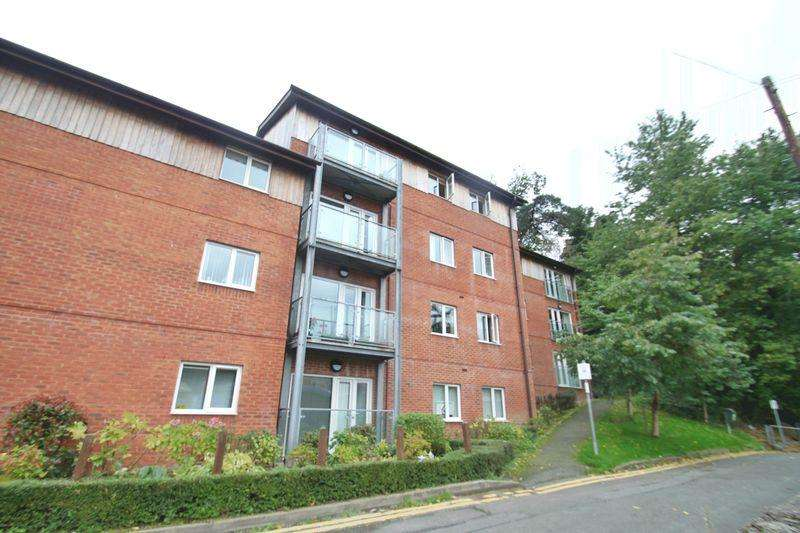 2 Bedrooms Flat for sale in Menai Bridge, Anglesey