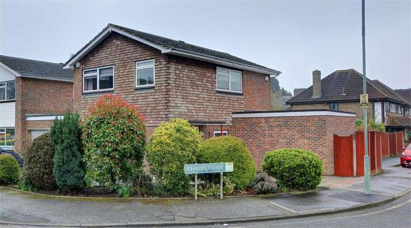 3 Bedrooms Detached House for sale in Chadd Drive, Bickley, Kent