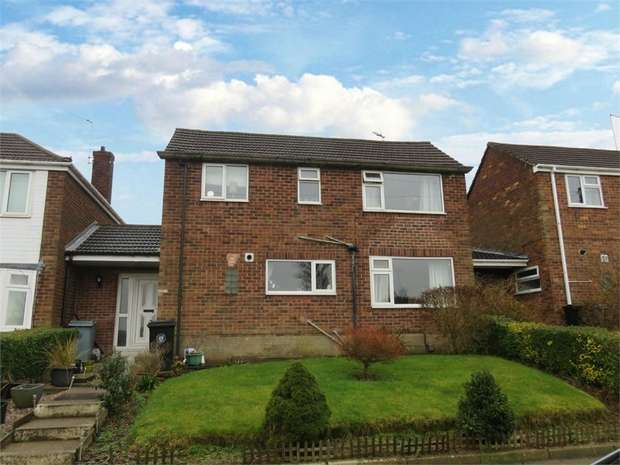3 Bedrooms Semi Detached House for sale in Denton Avenue, Grantham, Lincolnshire