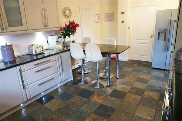 3 Bedrooms Detached Bungalow for sale in St Stevens Close, Houghton le Spring, Tyne and Wear