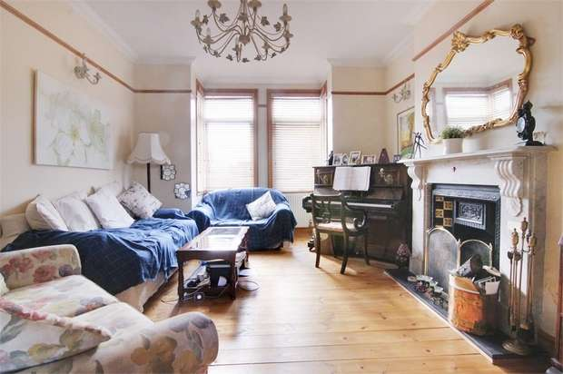 3 Bedrooms Detached House for sale in Stanhope Road, Walthamstow, London