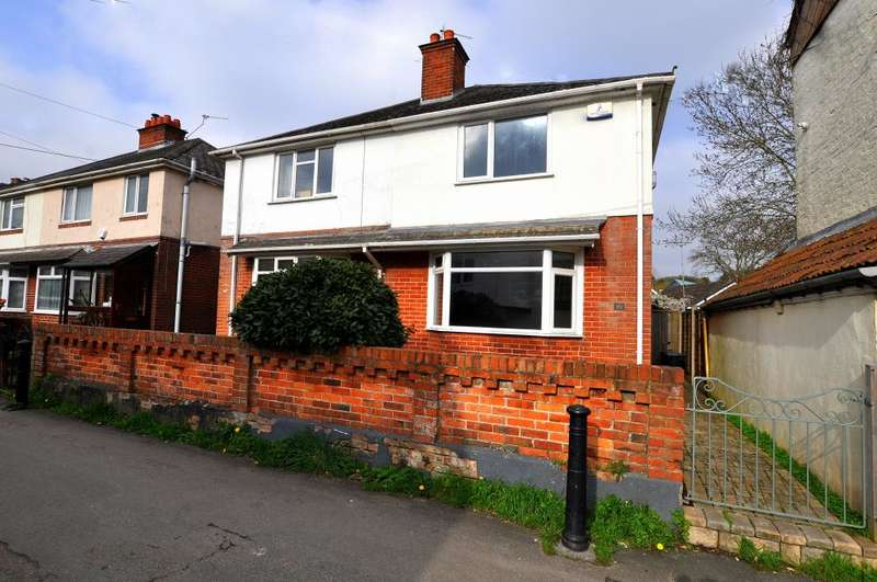 3 Bedrooms Semi Detached House for sale in The Quomp, Ringwood, BH24 1NT
