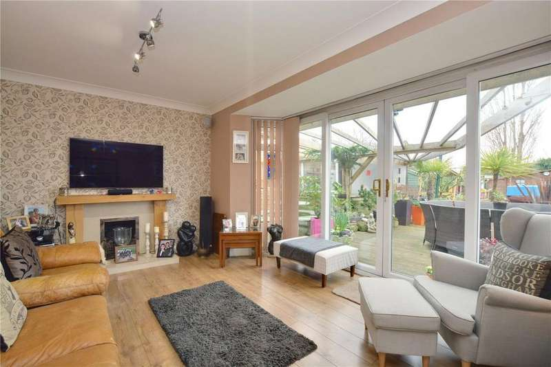 3 Bedrooms Detached House for sale in Green Lane, London, SE9