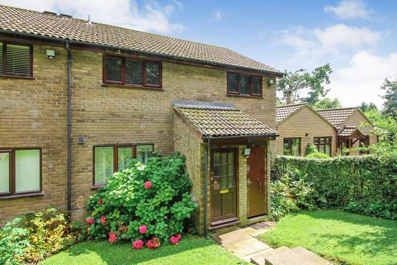 2 Bedrooms Flat for sale in Bishops Close, Thorpe St. Andrew, Norwich