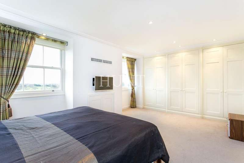 4 Bedrooms Town House for sale in High Elms, Chigwell, Essex IG7