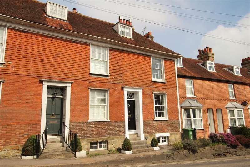 4 Bedrooms Terraced House for sale in Lower Lake, Battle