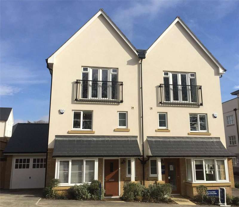 3 Bedrooms Semi Detached House for rent in Renfields, Haywards Heath, West Sussex, RH16