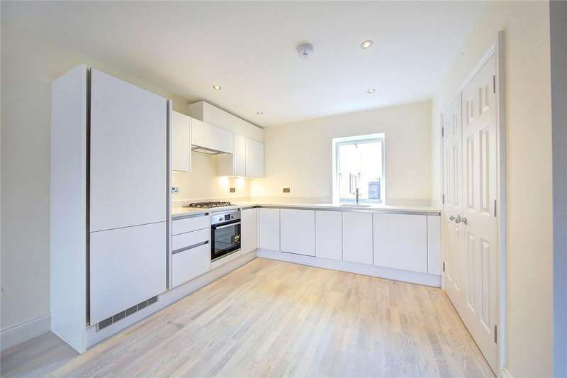 1 Bedroom Flat for sale in High Street Colliers Wood, Wimbledon, London, SW19