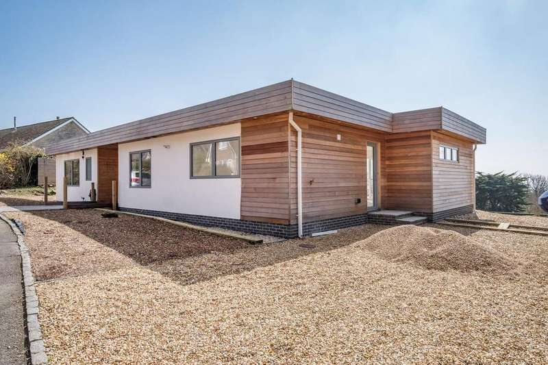 4 Bedrooms Detached Bungalow for sale in Ventnor, Isle Of Wight