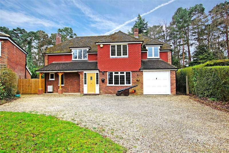5 Bedrooms Detached House for sale in Wildwood Close, Pyrford, Surrey, GU22