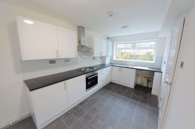 3 Bedrooms Property for rent in Minerva Close, Waterlooville