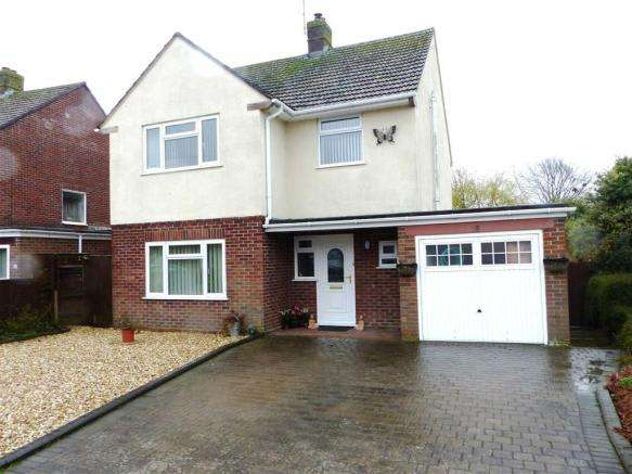 4 Bedrooms Property for sale in Clarendon Avenue, Weymouth, Dorset