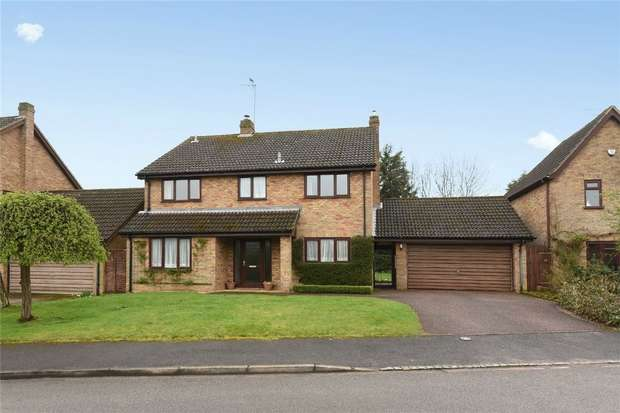 4 Bedrooms Detached House for sale in Brookside, Renhold, Bedford